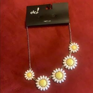 Rue21 flower necklace
